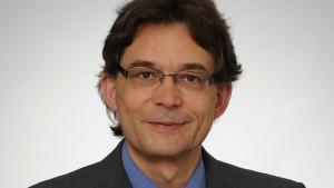 Dr. Bernd Arnold
